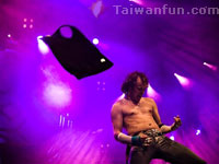 Bedroom fantasies on stage: air guitar competitions hit Taiwan