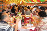 The fading, charming legacy of Taiwan's wedding-banquet culture